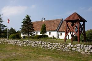 Råbjerg kirke med kirketårn