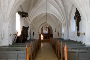 Vrensted kirke inde