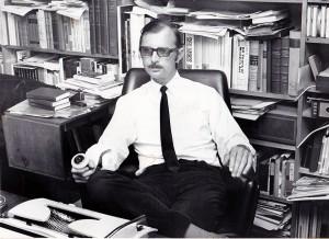 Knud Holst, forfatter