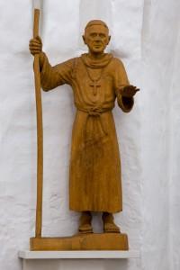 Figuren af Skt. Thøger er udført af Gunnar Gade